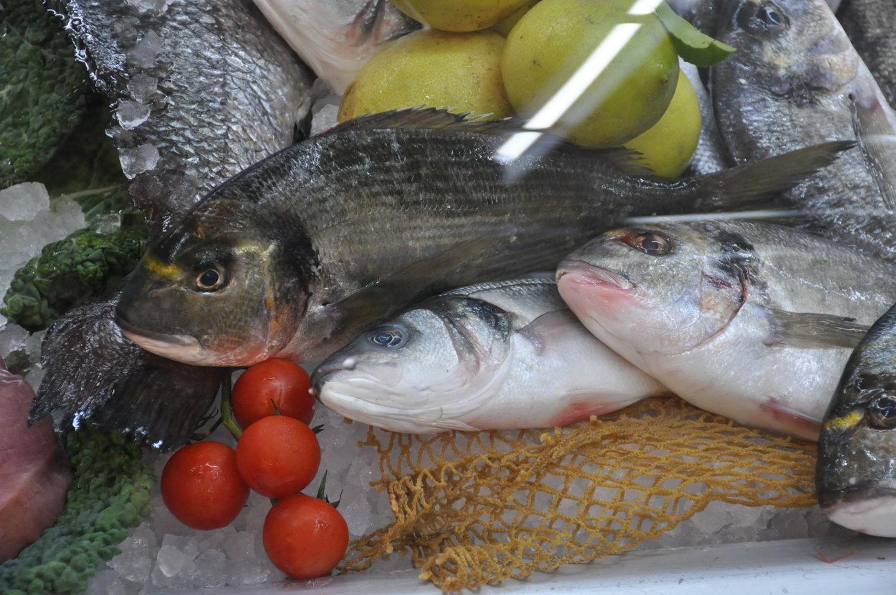 Pescheria-pesci-freschi-muravera3