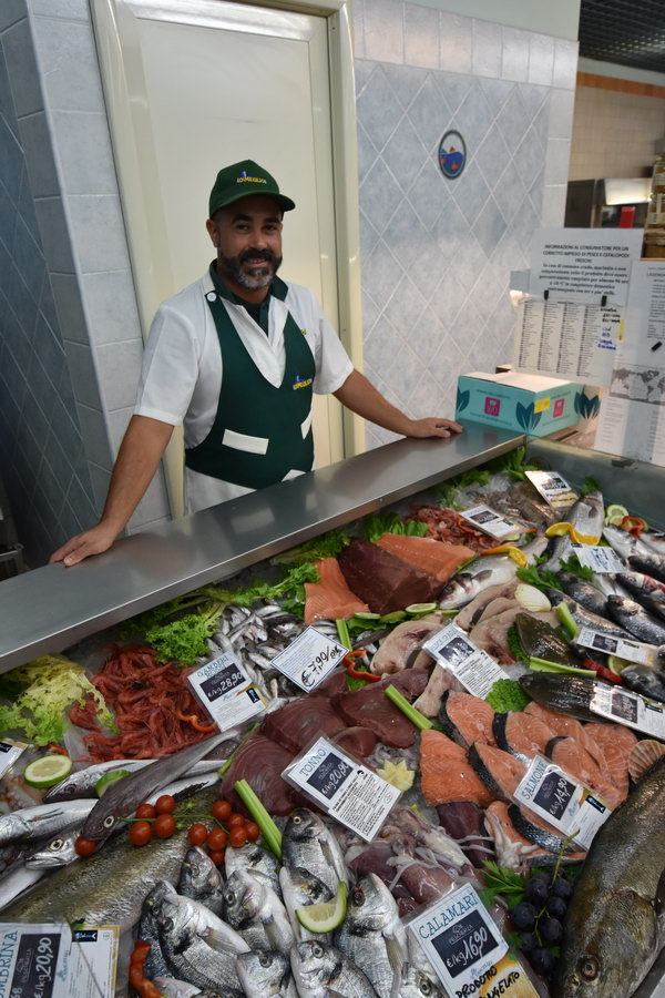 Castiadas-market-oliaspeciosa57